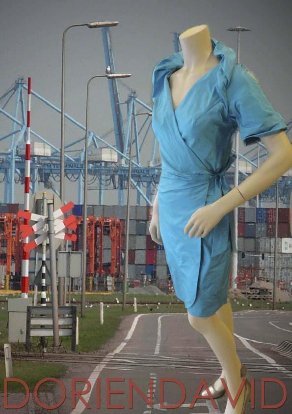 Overslag jurk met korte mouw van blauwe zijde