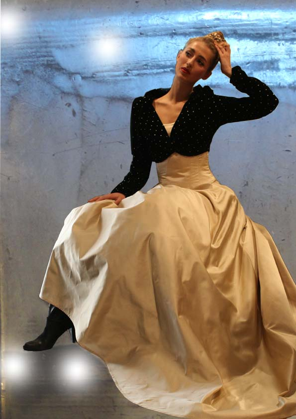 Gala dress of silk duchess and little jacket