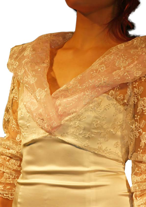 Top with sleeve of lace, colour off-white and gold