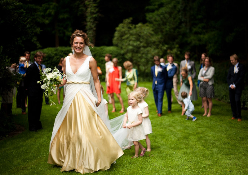 Lange zijden trouwjurk voor klant (Kiki)