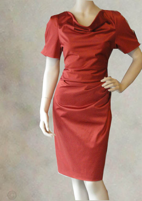 Rode korte jurk met driekwart mouwen