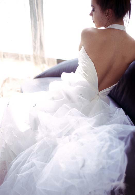 Bruidsjurk met diepe rug en halter