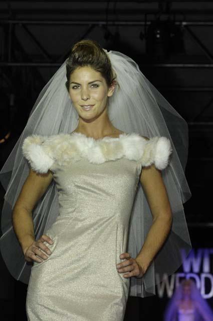 Dress with (fun) fur collar