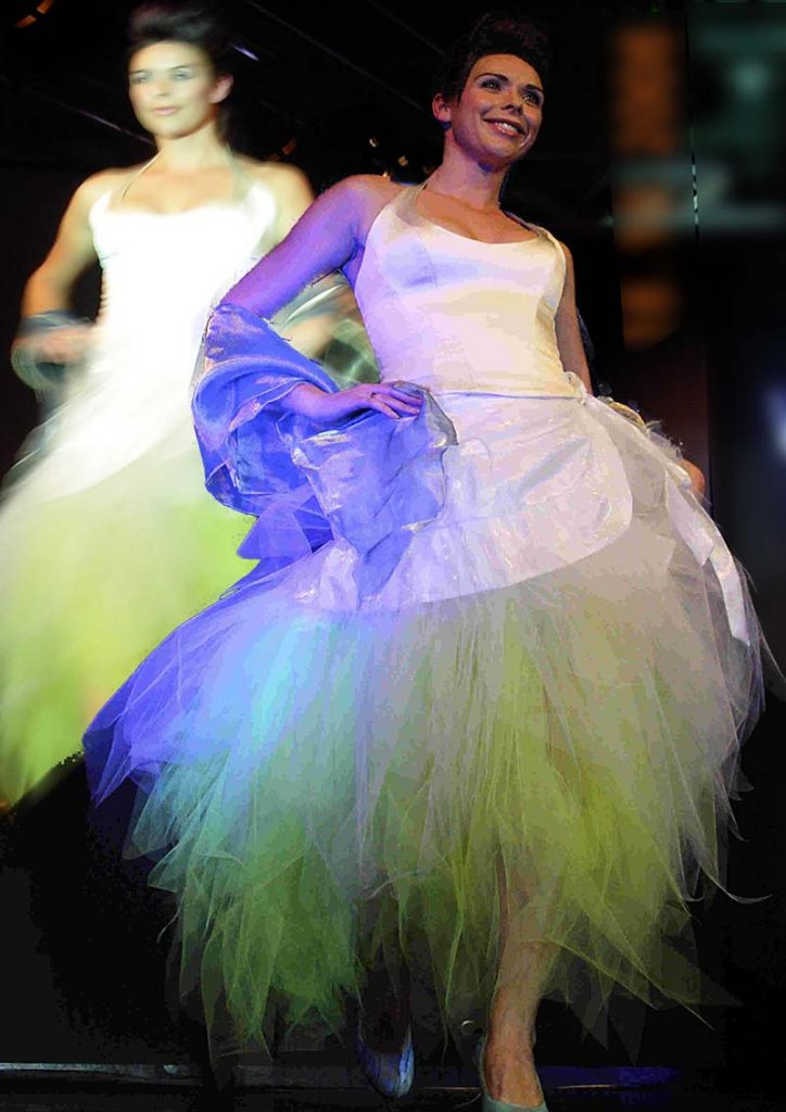 Bruidstop met groene petticoat rok